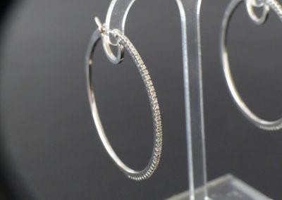 Ohrringe Weißgold - sehr fein gearbeitet mit jeweils 40 Diamanten